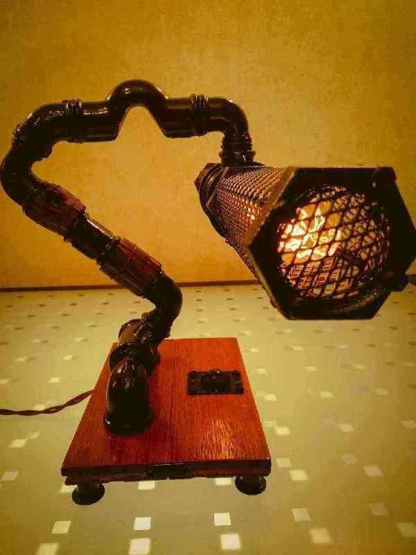 Кабинетная лампа Скорпион из чугуна