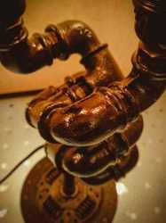 Настольный светильник Фатаморгана в стиле лофт из чугуна