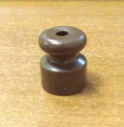 Interior Electric Изолятор пластиковый 24х18, коричневый IBROTM-2420