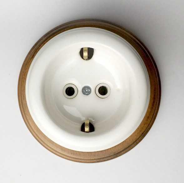 "Розетка interior electric, серия ""арбат"", керамика, с/з 16а белая SCIE/W-01"