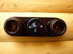 dev008904 Ретро накладка керамическая Derevfarfor серия Ретро, 2 местная с переключателем, черный
