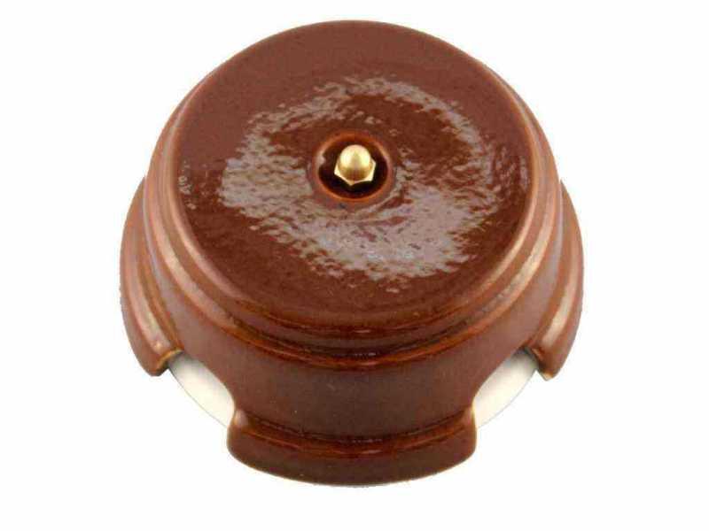 Leanza Коробка распаячная монтажная, D93 цвет bruno (коричневый), золотистый колпачок КРКЗ