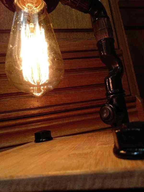 Настольный светильник Опиум в стиле Лофт из чугуна