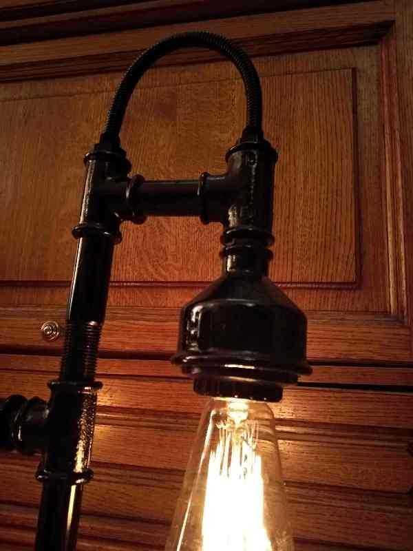Настольный светильник Крепость из чугуна