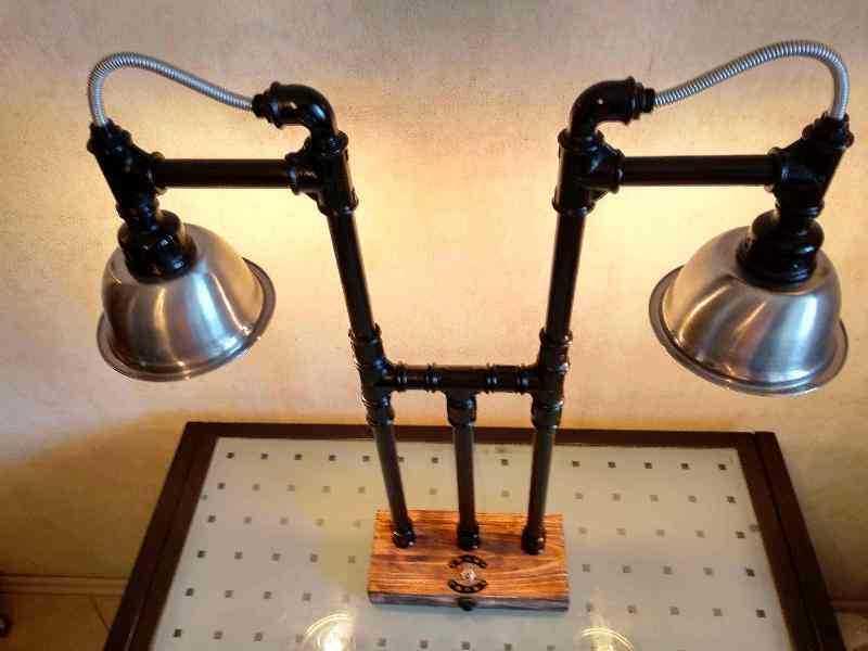 Настольный светильник Бастион из чугуна