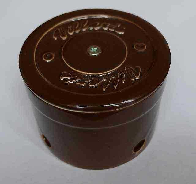 Керамическая распаечная коробка D80 H55 Villaris 2110002, цвет - коричневый